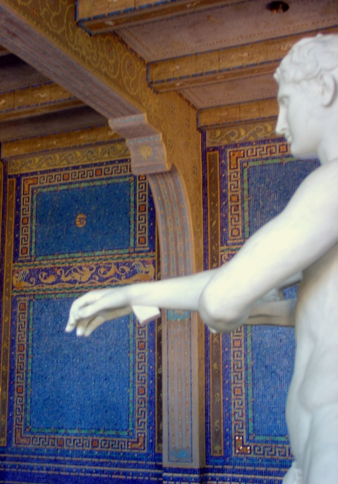 hearst-castle-statue-in-indoor-pool.jpg